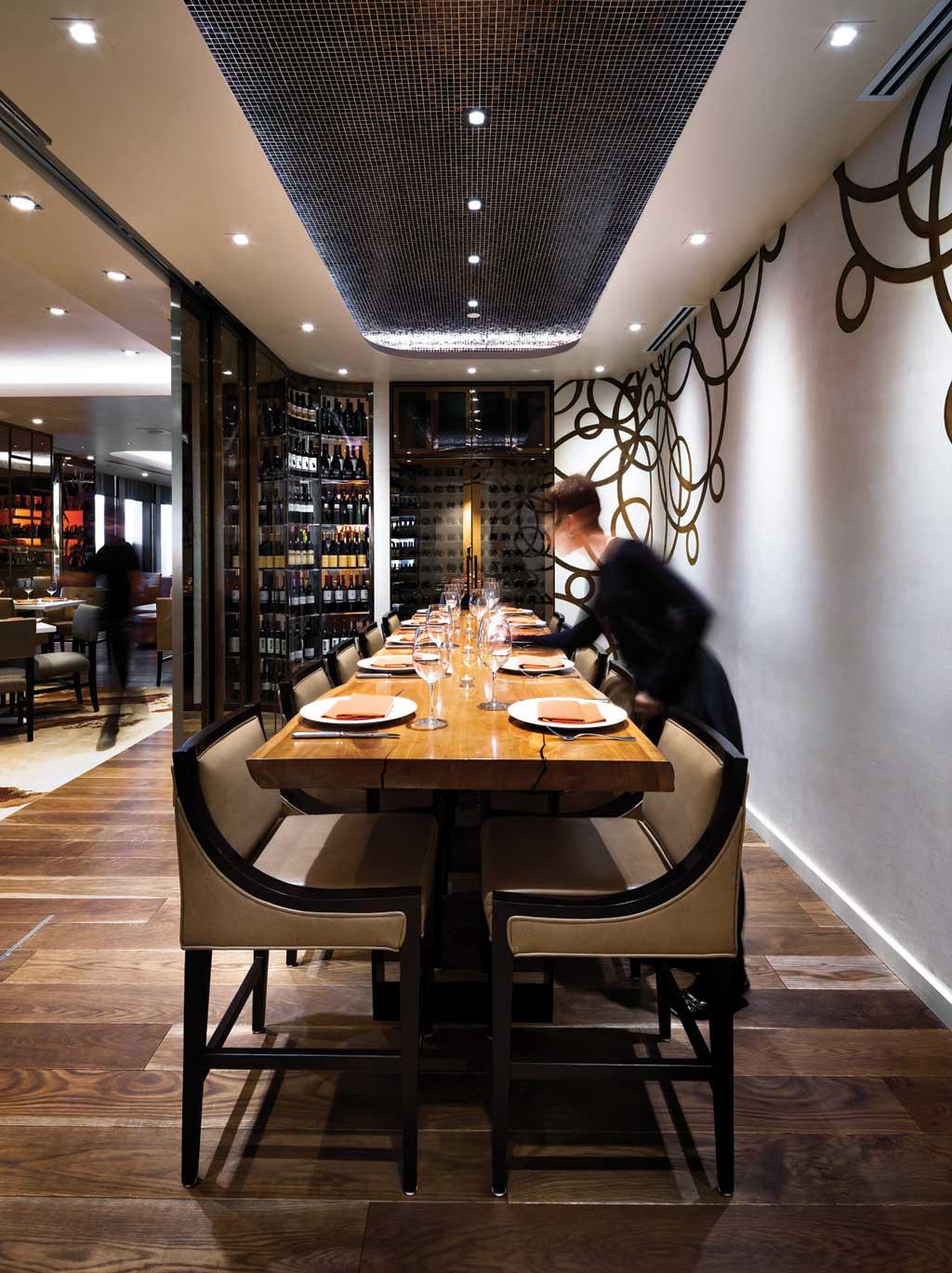 Stratus Bar & Restaurant 6