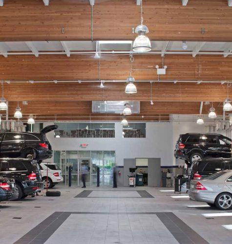 Mercedes Benz Autohaus 2