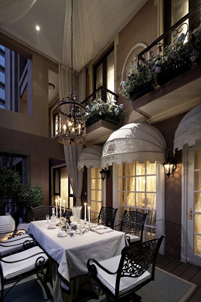 Delicacy Embellishing Luxury 1