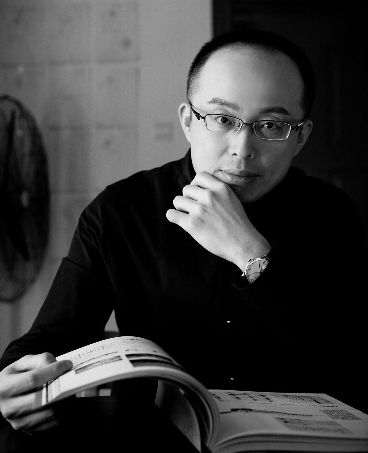 Headshot of SBID Master of Design 2018, David Chang