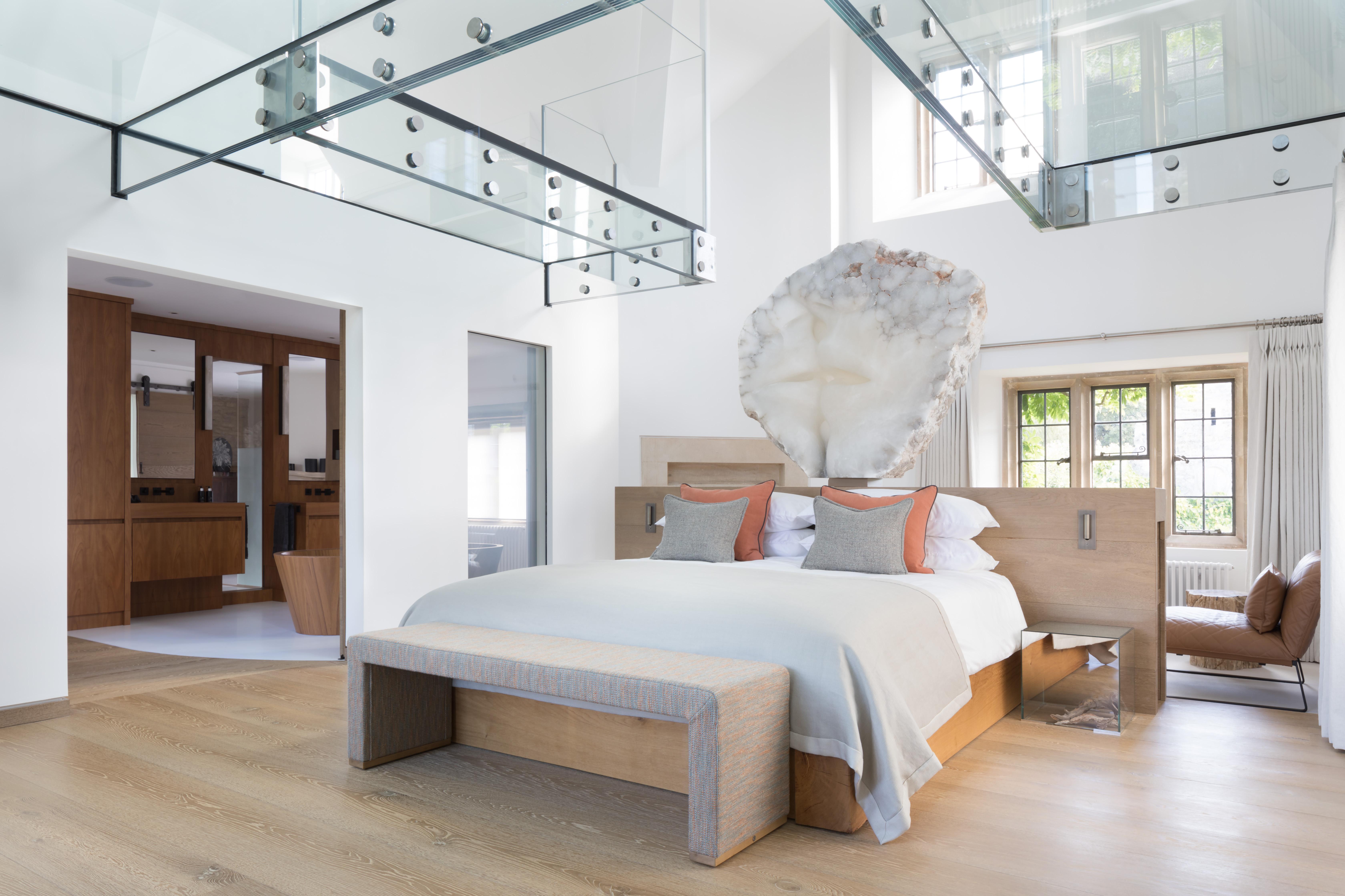 Cotswold Manor Bedroom & Bathroom | International Design ...